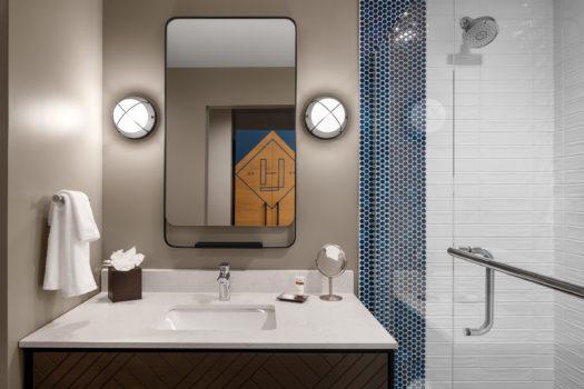 Luminary Hotel - Classic Guest Room Bathroom